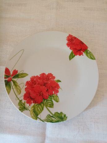 Набор  тарелок  75 грн. фарфор
