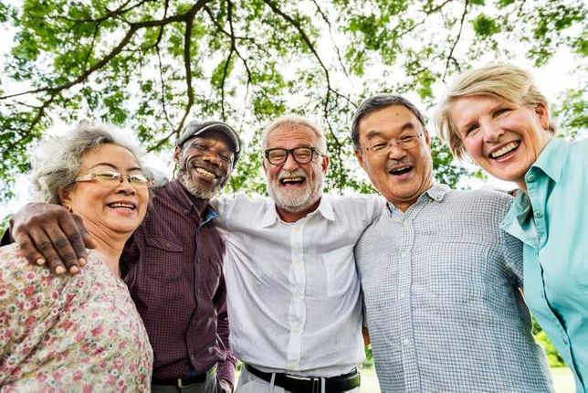 Ofereço me auxiliar de geriatria para cuidar de idosos