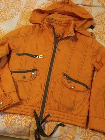 Продам куртки девочка
