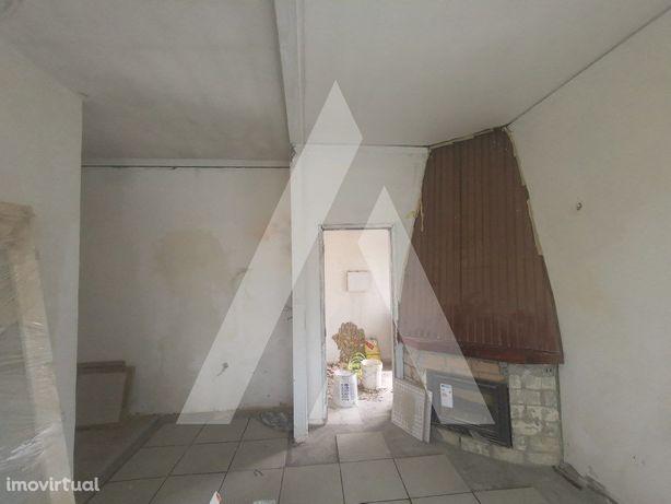 Apartamento T2, no Albergaria, distrito de Aveiro