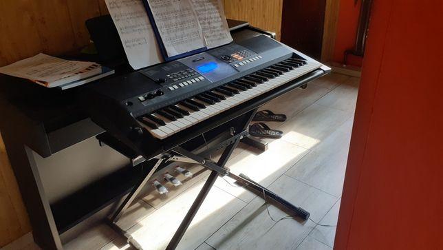 Organy, keyboard  Yamaha Psr e423
