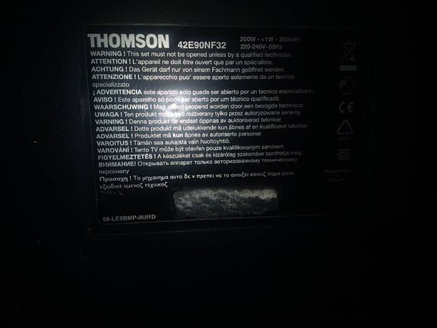 Телевізор Thomson 42E90NF32 на з/ч.
