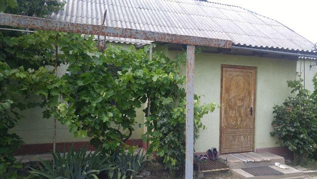 Дачное, дом на высоком цоколе. Рядом Нерубайское, Холодная Балка