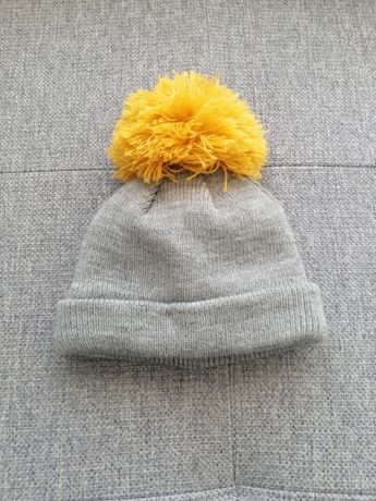 F&f szara czapka