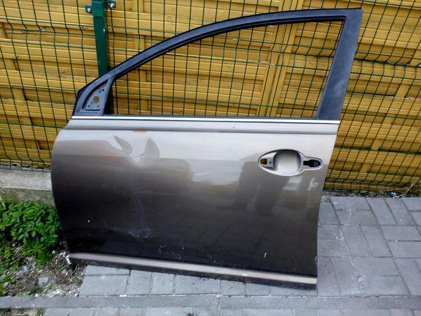 Drzwi lewy przód Toyota Avensis T25 4Q9