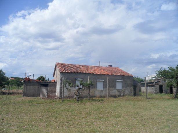 Casa para reconstruir/demolir c/terreno