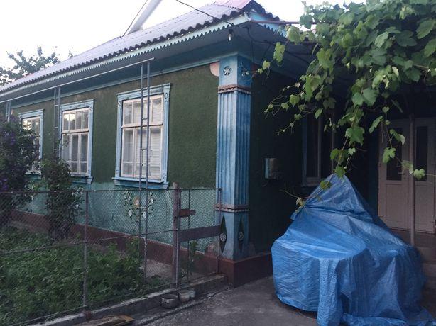 Продам житловий будинок 4 кімнати,кухня,коридор,опалення пічне та газ