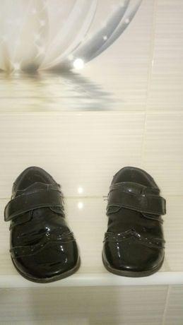 Туфли школьные лаковые на мальчика 19 см стелька, на ножку 18-18.5