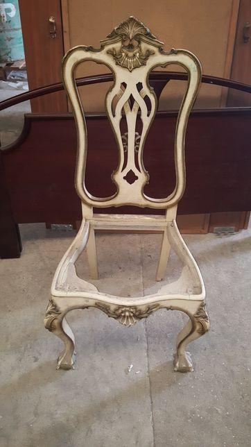 Cadeira lacada antiga