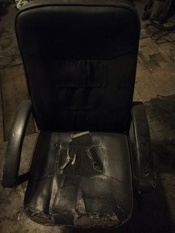 Oddam fotel obracany. Stan techniczny dobry