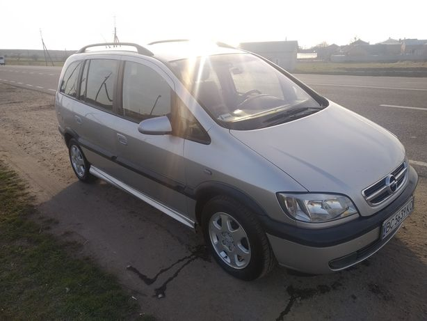 Opel zafira a 7 місць