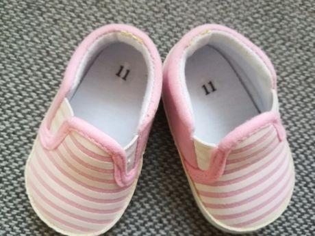 Buciki dla dziewczynki Niechodki j. nowe rozmiar 11