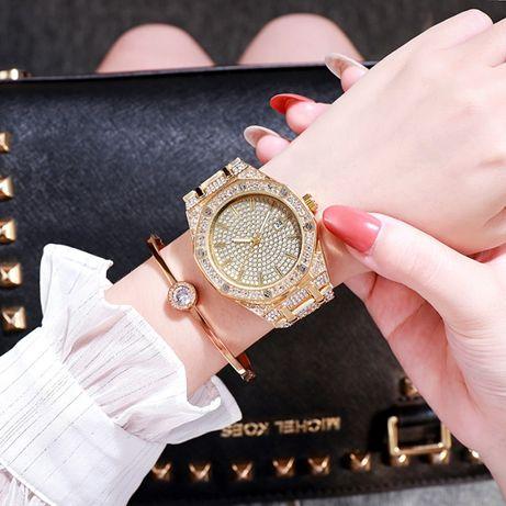 Женские стильные часы со стразами (Разные цвета)