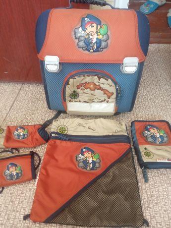 Рюкзак школьный + аксессуары