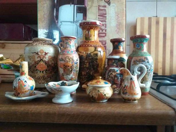 Duża kolekcja wazonów porcelanowych.
