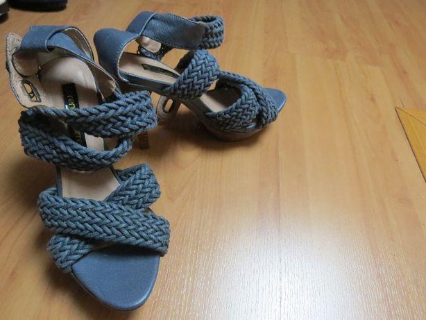 Sandálias azuis (ótimo estado) nº 36