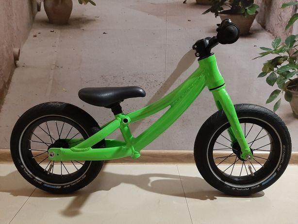 Rower biegowy Frog (super waga) Woom