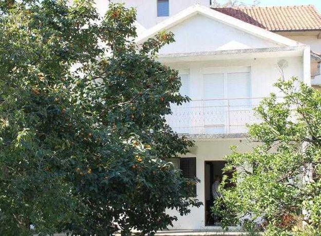 Черногория, Дом с красивым садом в Ластве Грбальской, Будва