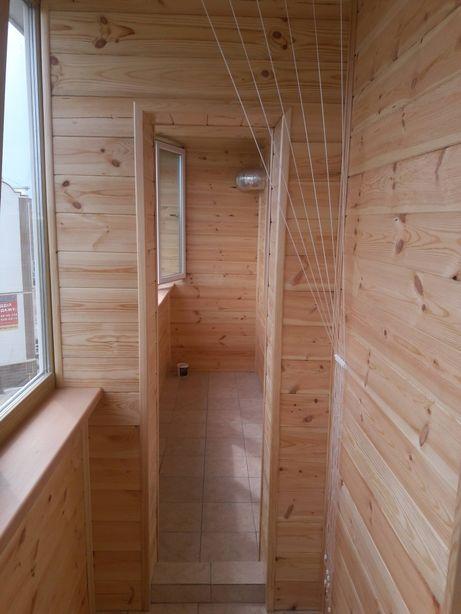 Обшивка балкона деревянной и пластиковой вагонкой или имитацией бруса