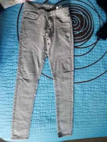 Vestidos e calças