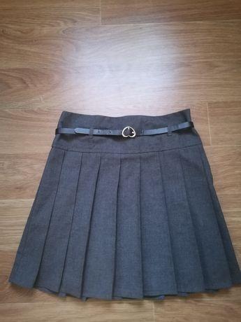 Продам школьную юбку на рост  128