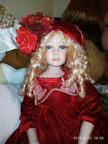 """Фарфоровая кукла """"мадемуазель в красном"""""""