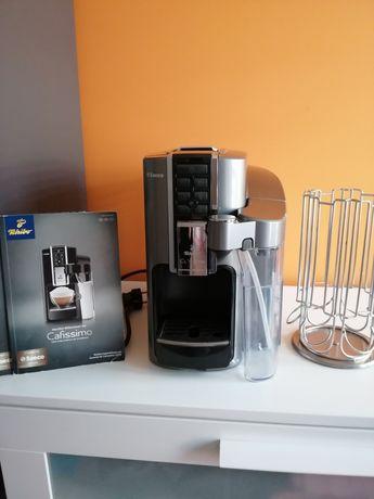 Ekspres ciśnieniowy Tchibo Cafissimo Latte gratis stojak
