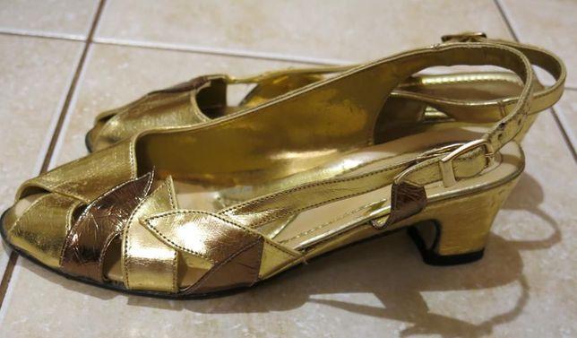 Красивые золотые босоножки для выступления 37 р., 24 см по стельке.