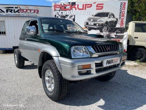 Mitsubishi L200 Xcab 4x4 4 lugares