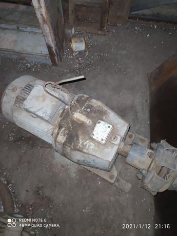 Мотор редуктор 380