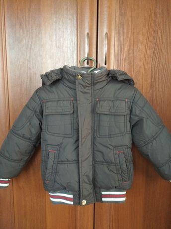 Куртка теплая на мальчика в идеальном состоянии.