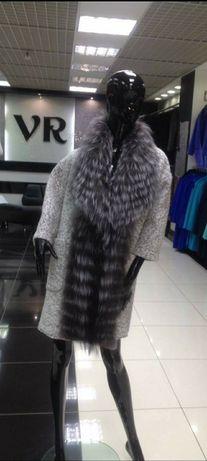 Нарядне пальто з натуральним хутром