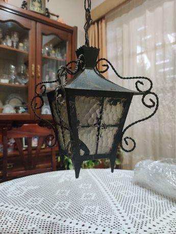 Candeeiro de ferro antigo vintage