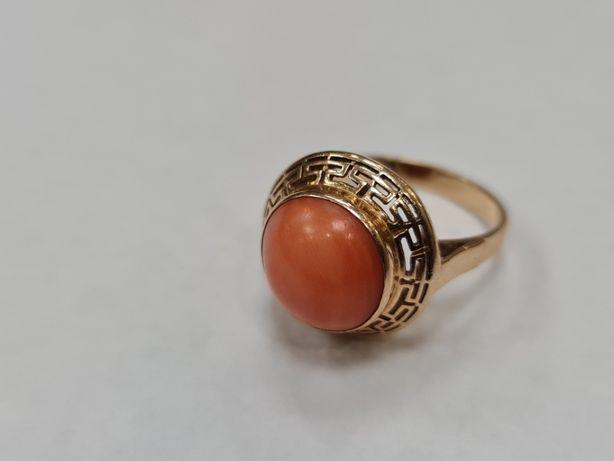 Koral! Piękny złoty pierścionek damski/ 585/ 5.22 gram/ R17/ Wiekowy