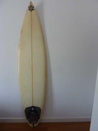 Prancha de Surf 6.8 ( 18'3.8, 5.16)
