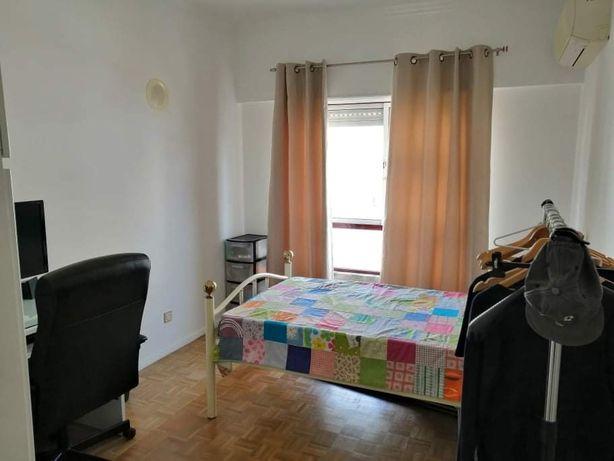 Vende-se Apartamento T4