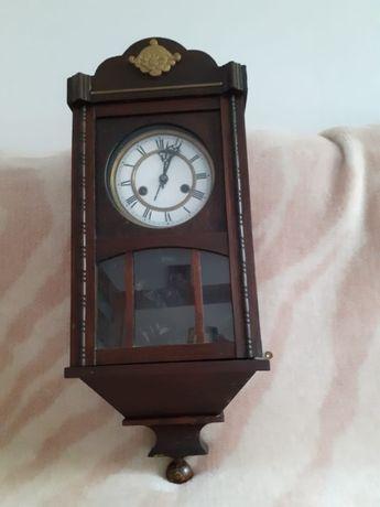Piękny zegar zabytkowy