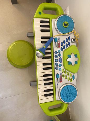 Orgao musical imaginarium funciona a pilhas! Muitos sons e microfone