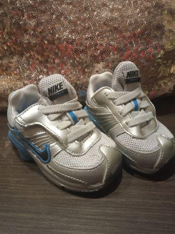 Buty chłopięce Nike 19.5