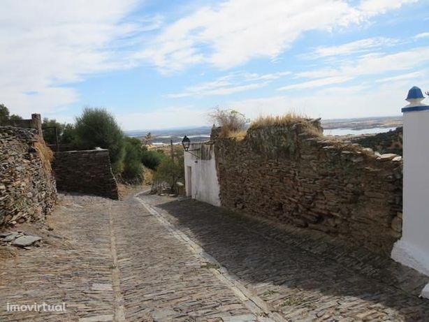 Terreno edificável em Monsaraz