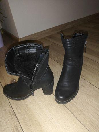 Buty czarne na obcasie 35