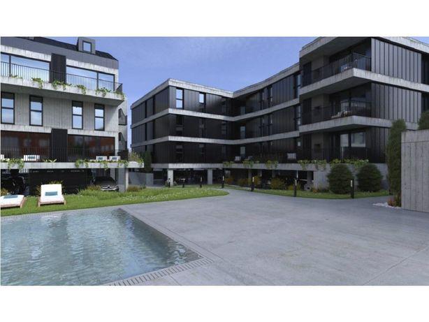 Apartamento Novo, T2 Duplex, em condomínio fechado em Ofi...