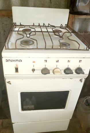 Продам газову плиту Электа. 4 конфорки, духовка. Нет ручки от духовки.