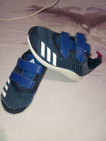 Кроссовки 23р. Adidas originals