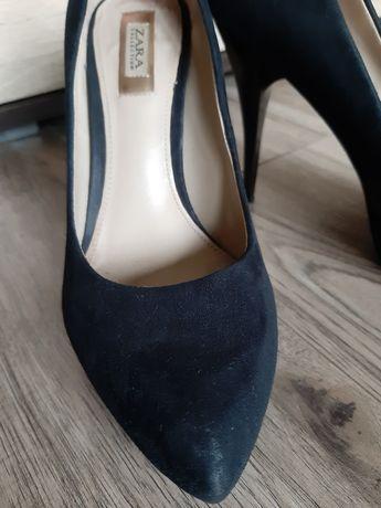 Zamszowe eleganckie szpilki Zara rozm.37