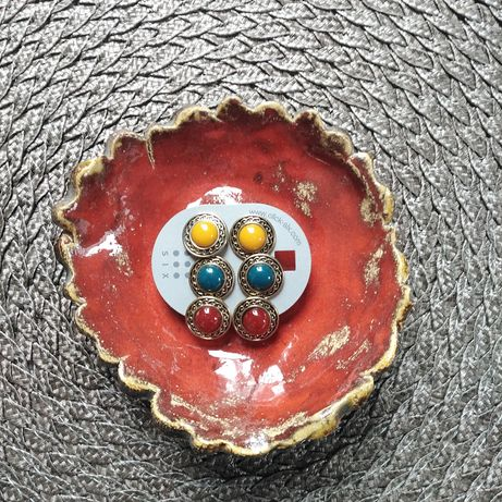Zestaw kolczyków w kolorze starego złota