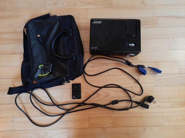 Projektor Acer X112 DLP