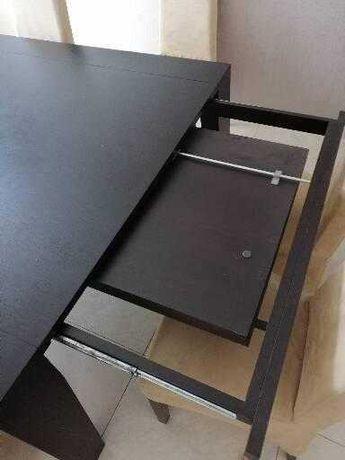 Mesa de sala Quadrada Extensível