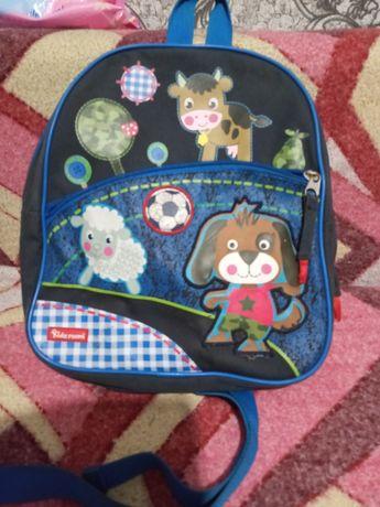 Класний рюкзак для хлопчика