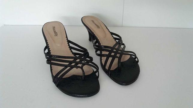 sapatos sandálias de senhora usadas tamanho 39